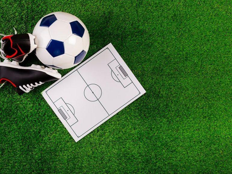 !!!FOOTBALL !!! L'heure de la rentrée a sonné… Après l'école, place au sport… Enfin !!!